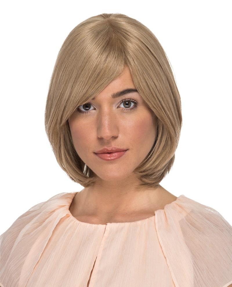 Kort blond page med lugg